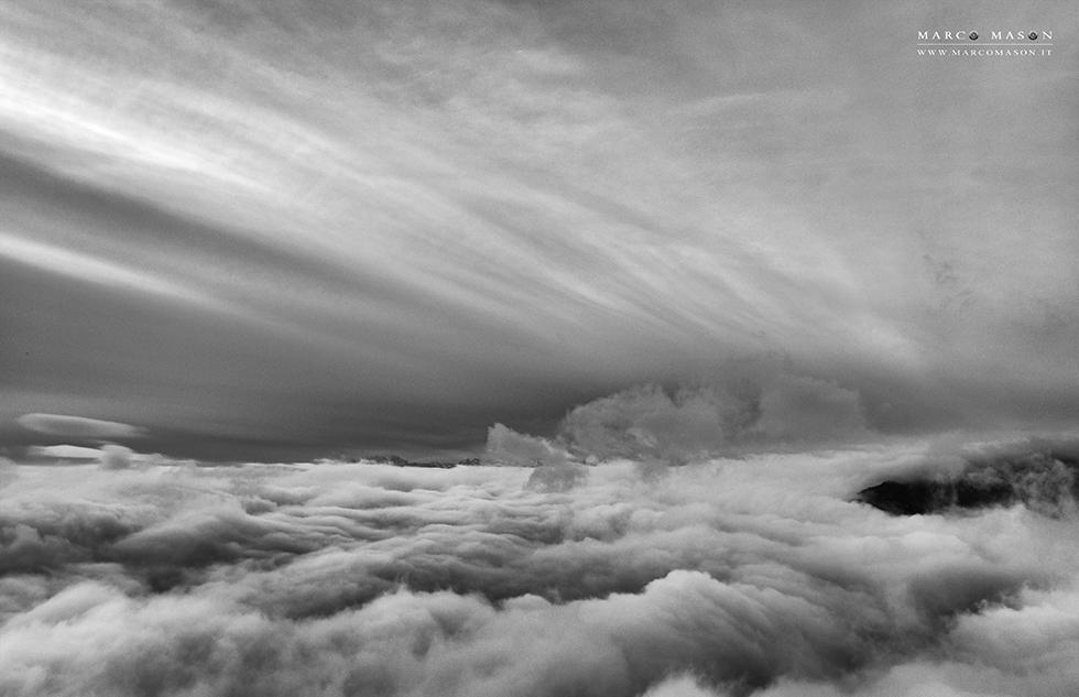 un mare di nuvole
